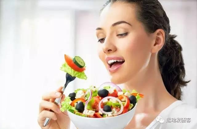 掌握黄金减肥时间,放肆吃也能瘦下去,浅谈科学8小时进餐法