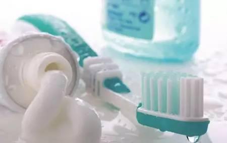 牙膏只用来刷牙 这些妙用90 的人还不知道 你不试一试吗