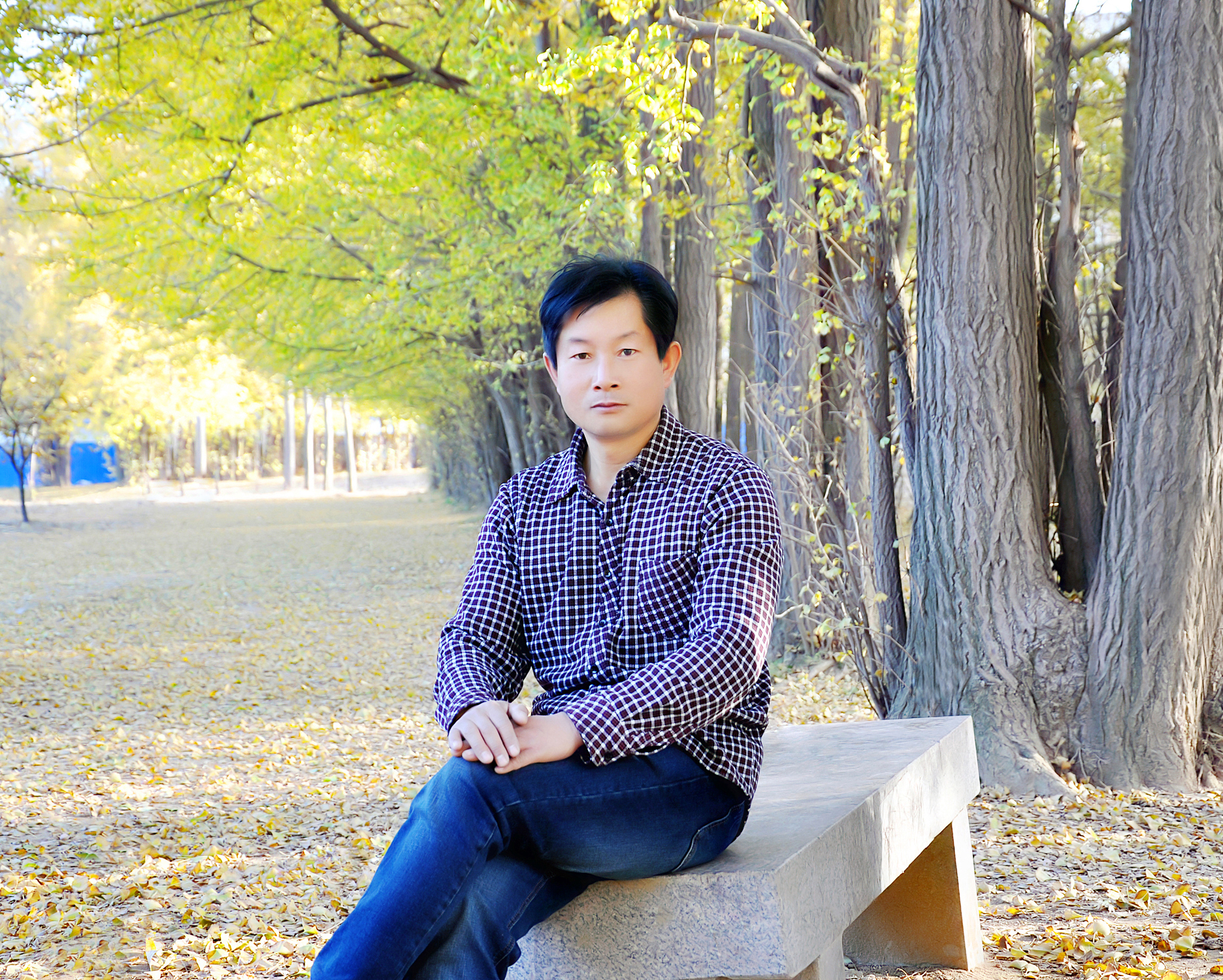 傲立山巅 笑看风景——访着名作家、十佳版主薛庆西