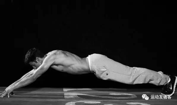 瘦人如何增肌?合理的饮食有计划的训练,才能让你麻杆变形男!