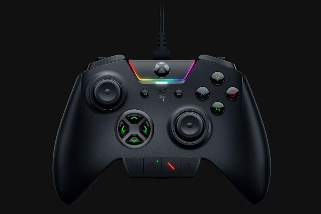 雷蛇发布 Xbox One 专用手柄 Wolvering Ultimte 的时候,微软却把初代主机停售了