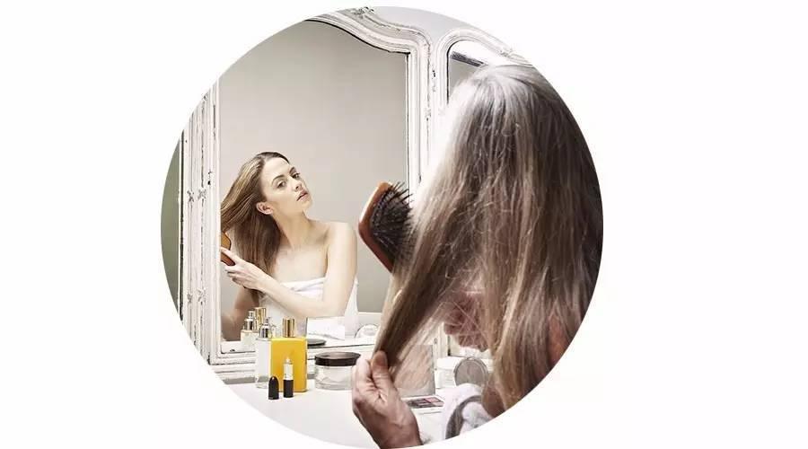 洗头掉头发正常吗图片