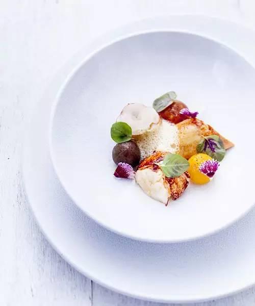 美食 正文  今天米琪搜罗了多家米其林餐厅的创意菜品,希望大家看后能图片