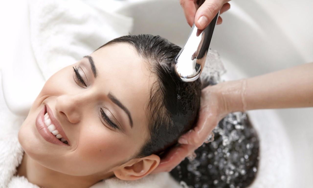洗头会掉头发正常吗图片