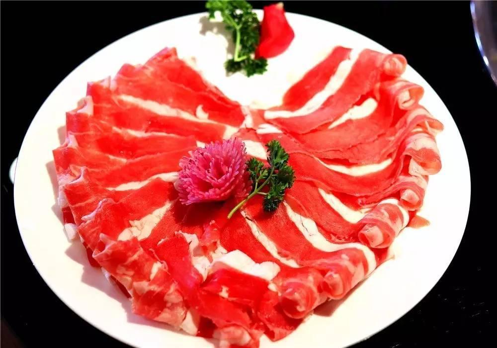 到店加微信群参与红包抽奖 心动菜品 特意为七夕当天摆盘的特色菜品