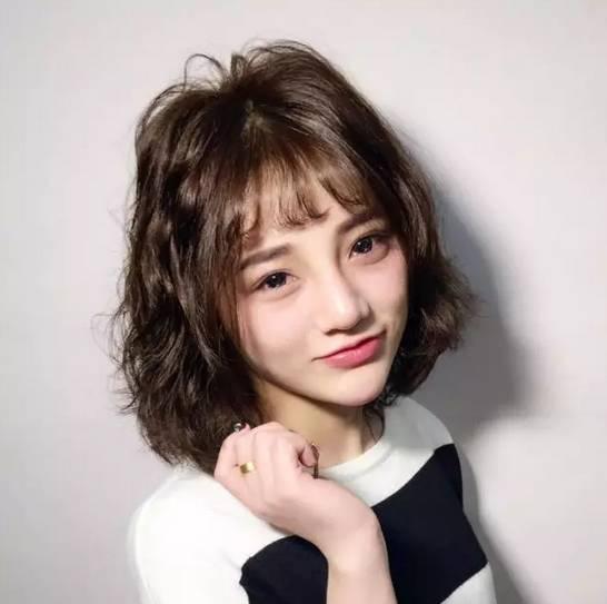 发型| 赵丽颖的新短发,好乖好灵动!图片
