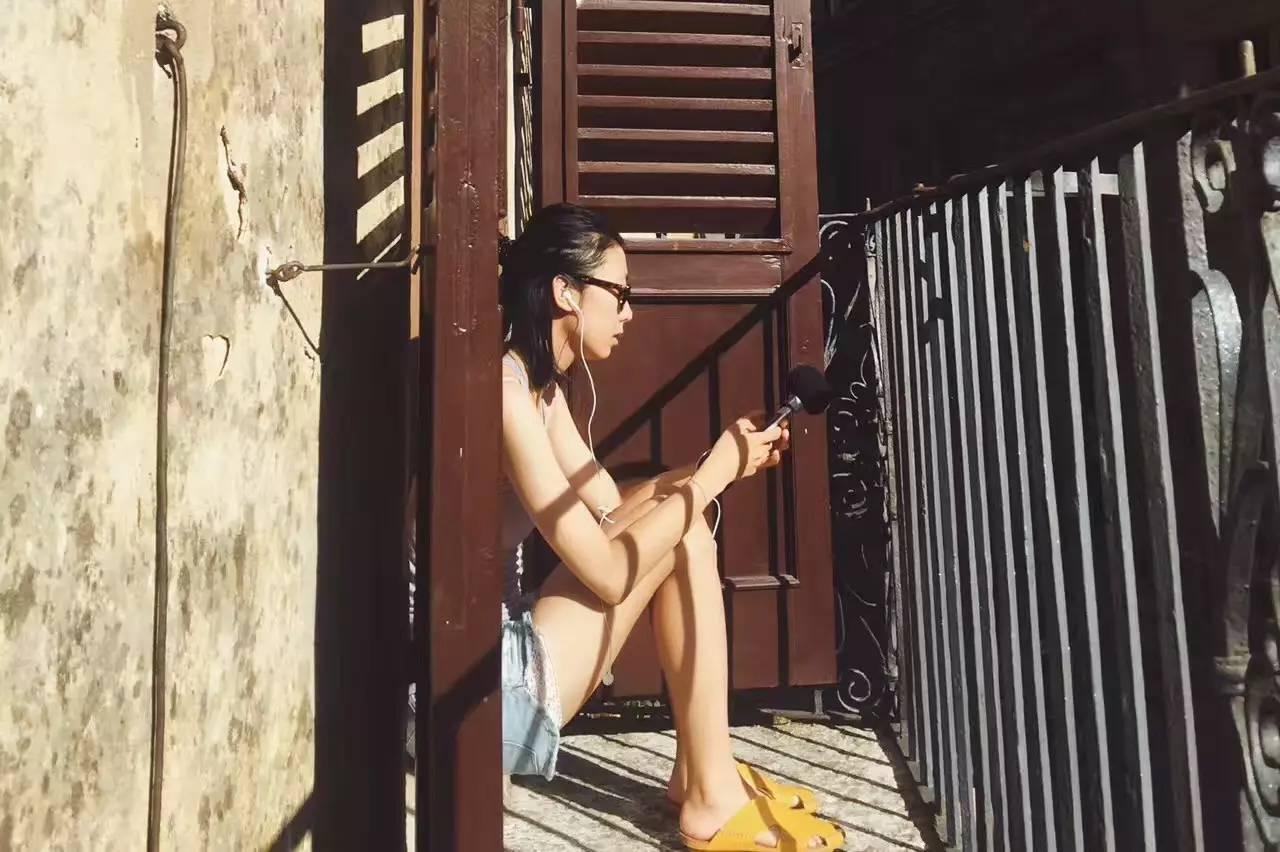 播�_从杂志主编到电台主播,她于心静中寻得新境界