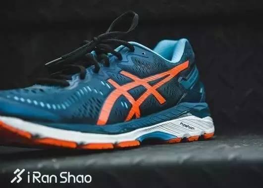 世界四大名跑鞋_as1cs旗舰跑鞋!世界四大顶级跑鞋之一,gel-kayano23稳定运动支撑科技!