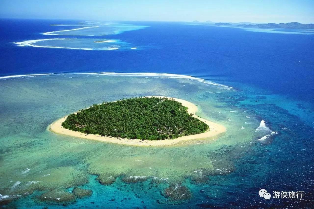 澳大利亚圣灵群岛的心形珊瑚礁