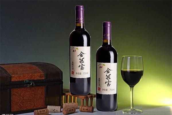 金葚宝:购买红酒时,选软木塞好还是螺旋塞好?