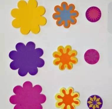 纸线黏贴画-后,就可以依次粘贴在卡纸上了-海绵纸 幼儿园常见的手工作业,环