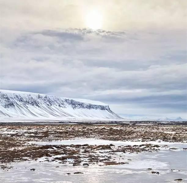 大家投票选出了最想去的地方,第一名是——冰岛!