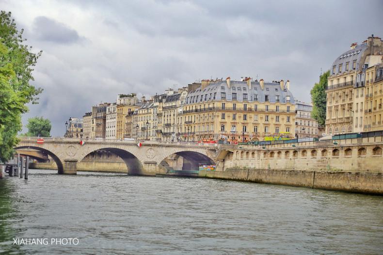 巴黎之河,竟然是降水女神,游船换个角度看巴黎