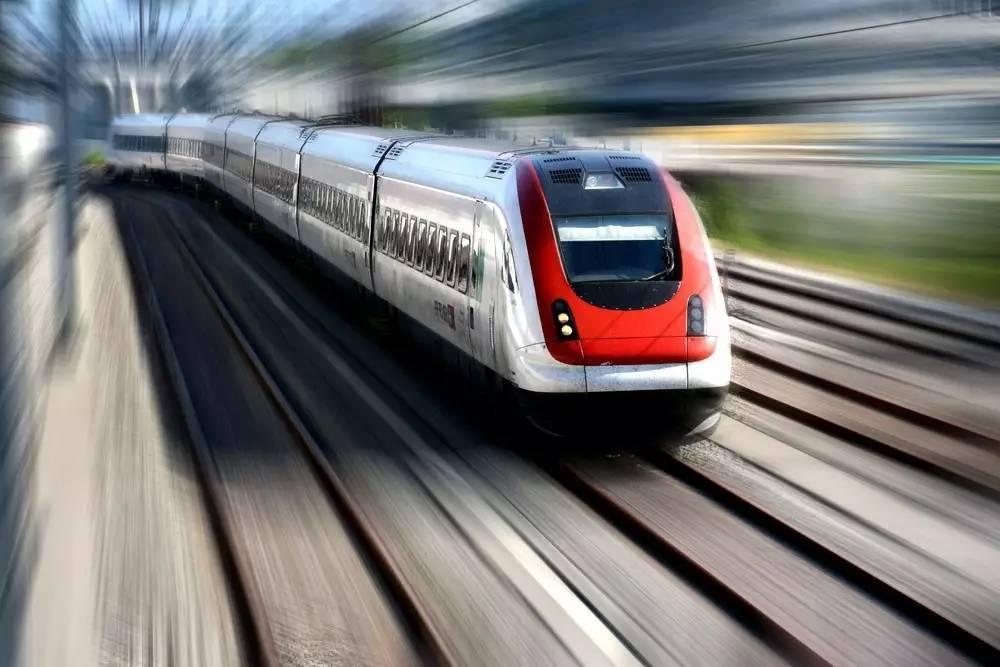简讯 | 有轨电车蓉2线首开段下月轨通,18号线三期···