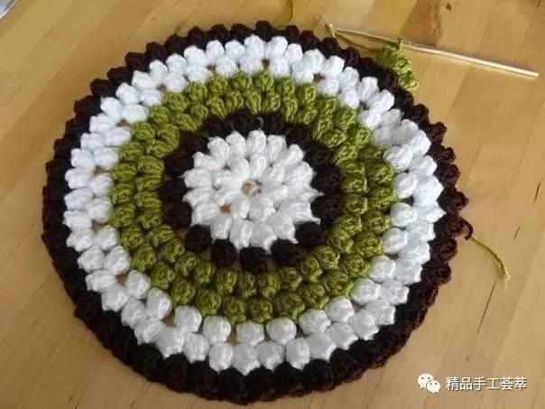 鉤針編織的漂亮圓形凳子套花樣圖解圖片