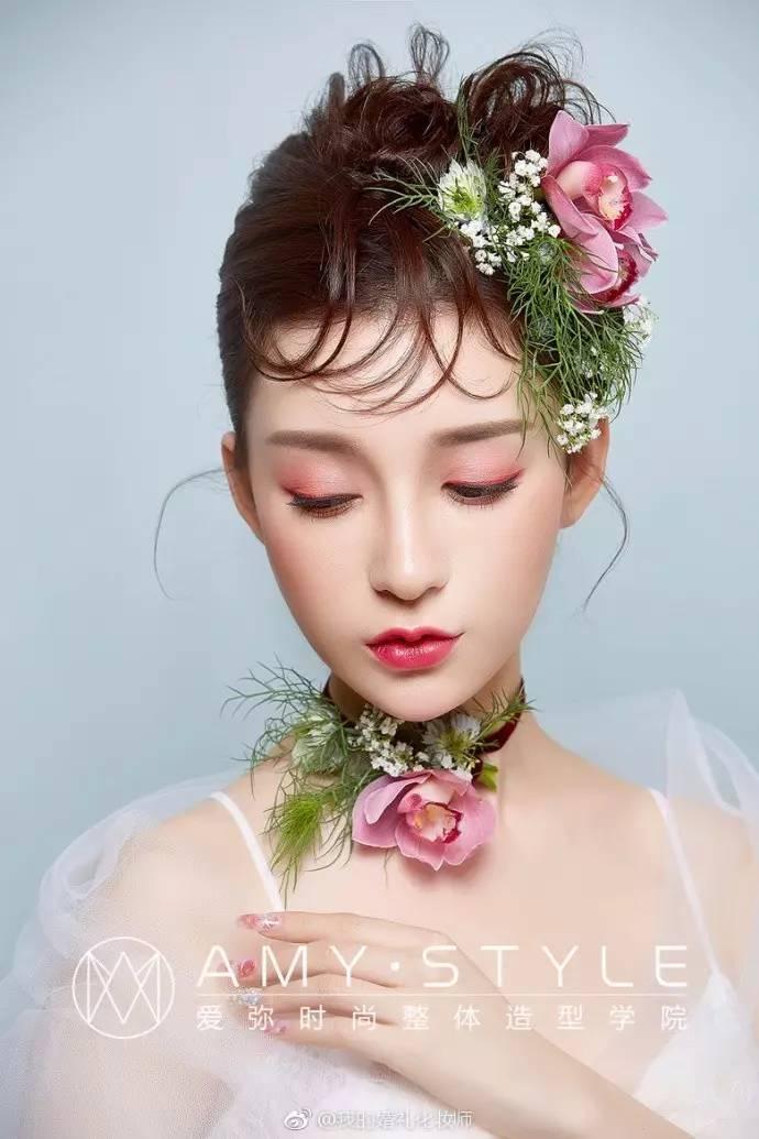 最新韩式新娘发型一款时尚的新娘发型     下面给大家介绍下最新图片
