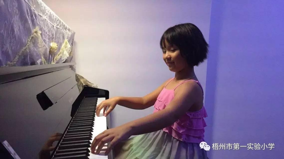 成为钢琴家,是我的梦想.