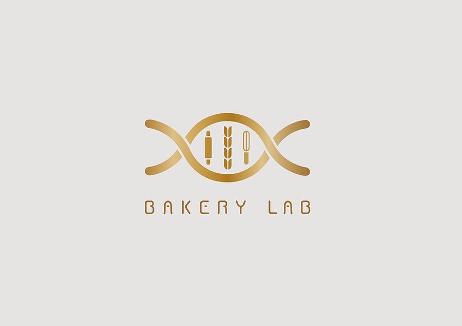 LOGO设计说明 将DNA双螺丝结构中的基因链置换成:小麦、擀面杖、打蛋器等烘焙代表性元素,强调烘焙的研究性,与品牌的建立初衷相吻合。这种结合形式传达的寓意是热爱烘焙甜品等美食是人的天性。Logo整体彩用扁平化处理,用金属质感的颜色提升其视觉质感,使其视觉效果更加突出、醒目。 LOGO字体设计说明  这套字体中的每一个字母都采用圆角设计,这样更加像面包的饱满蓬松的形态。每个字母都是从面包的外观中提取的颜色与线条。以字母A和字母B为代表,分别从棍和吐司两种代表性的面包中提取了线条及外轮廓。这种拟态