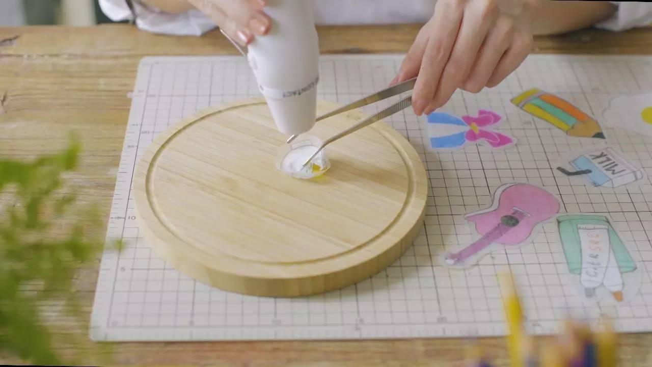 用拼豆拼出自己喜欢的形状.