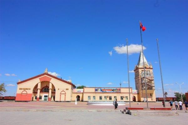初见蒙古国,寻觅边城小镇的街头