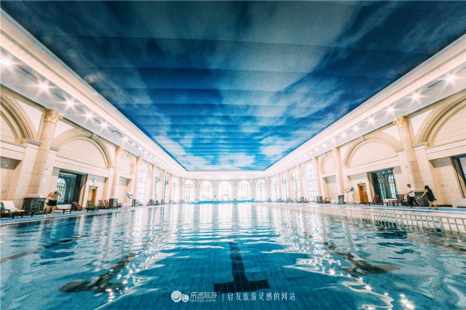 南京近郊藏了一座欧式宫殿,推开窗湖光山色,夜晚变身梦幻城堡