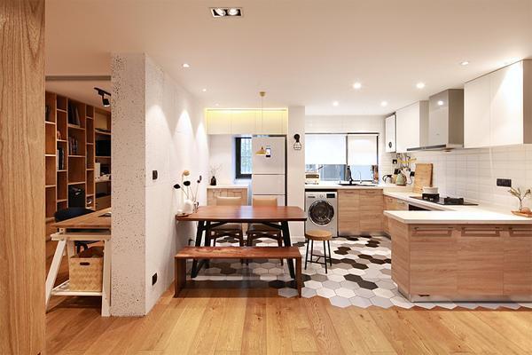 六边形地砖与木地板拼接很特别吧!