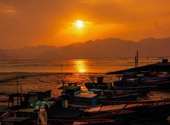 这个海鲜味弥漫的最美港城,竟拥揽了一片让人惊艳的山水秘境!