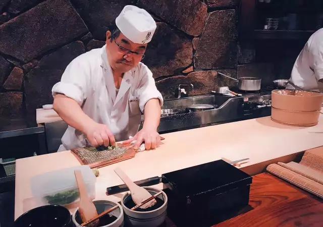 日本美食深度探索——发现隐匿市井的味觉盛宴