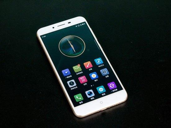 4GB内存全高清屏卖899元 360 vizza手机发布的照片 - 6