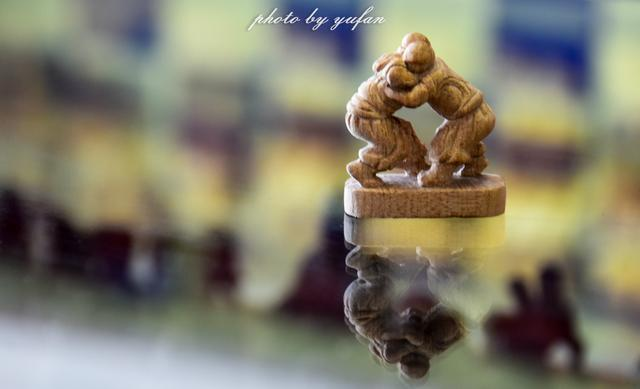 民族的就是世界的,旅行中遇见的内蒙古象棋雕刻