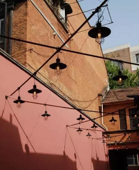 老上海有一条粉色弄堂火了,无数ins达人打卡,改造后的老弄堂可以这么时髦!