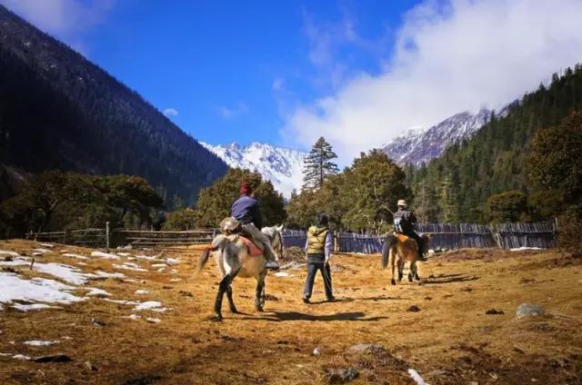 川西这片净土,只能骑马进入,终于被世人发现了!
