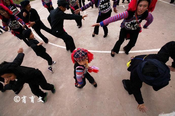 云南边境小城举办跨国超级相亲会,三个国家的单身男女慕名而来