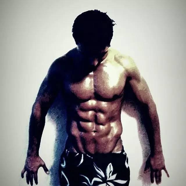 只用了40天,大肚男变腹肌男神,被他的变态训练吓到了!