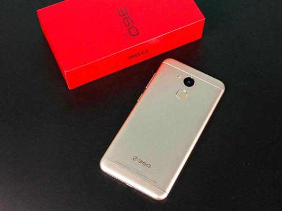 4GB内存全高清屏卖899元 360 vizza手机发布的照片 - 5