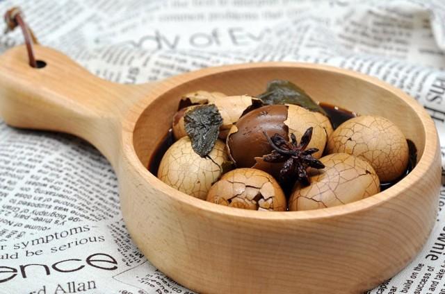人人都爱吃的茶叶蛋是用绿茶煮好还是红茶煮好