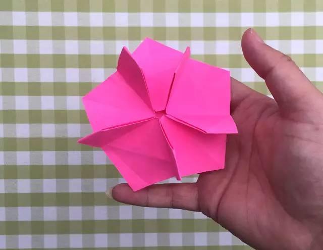 郁金香花叶折纸步骤图解