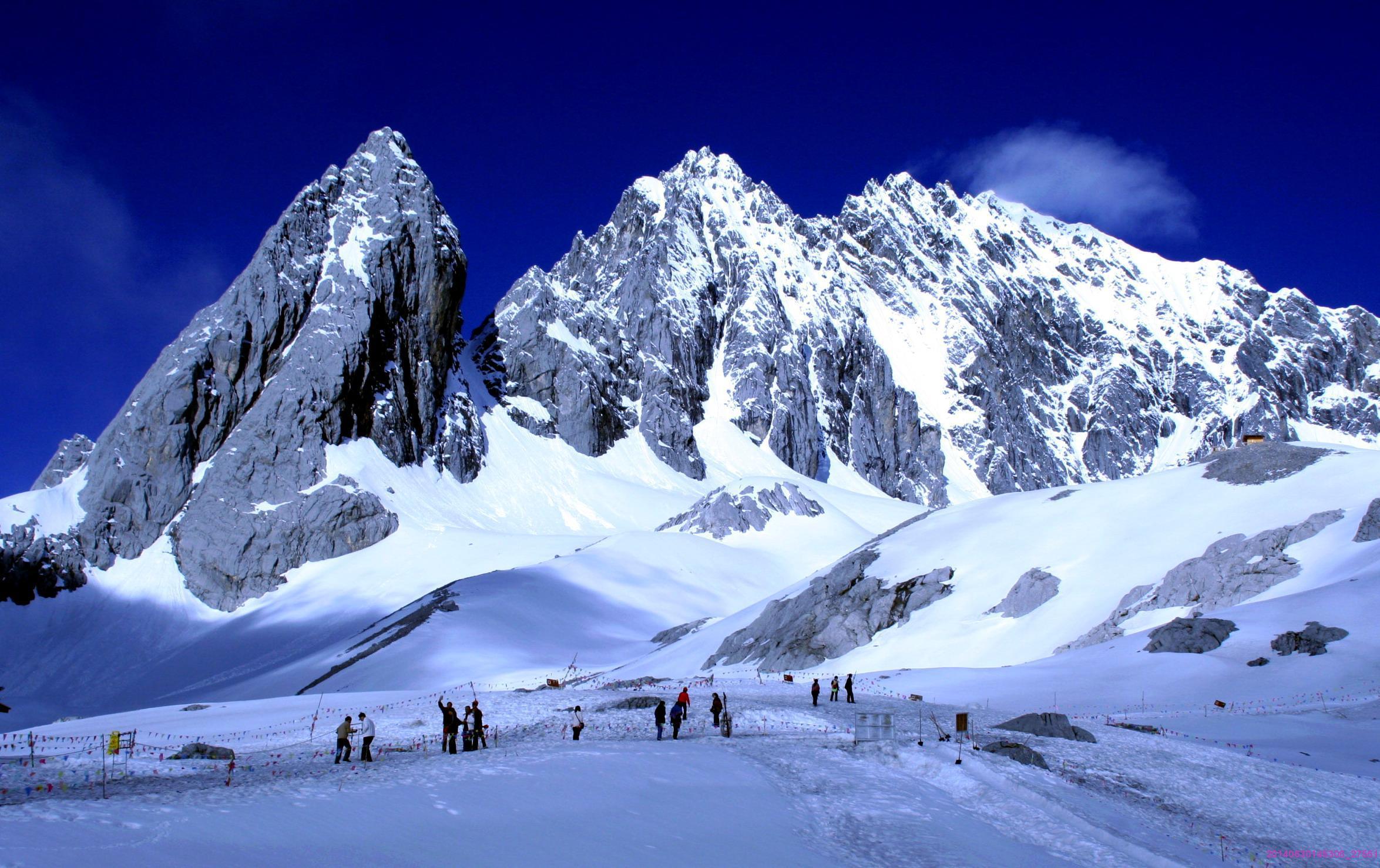 玉龙雪山海拔高度_自驾游去玉龙雪山,不跟团买票和出行方便吗