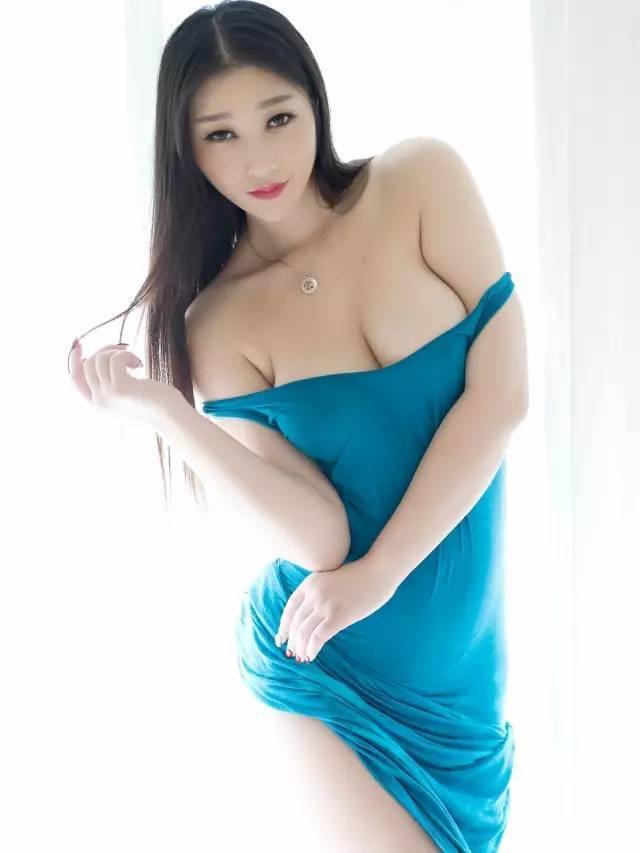 要是本身就惹人注目,魅力再有一副完美火辣的美女,那种美女可想而知.睡熟身材的图片