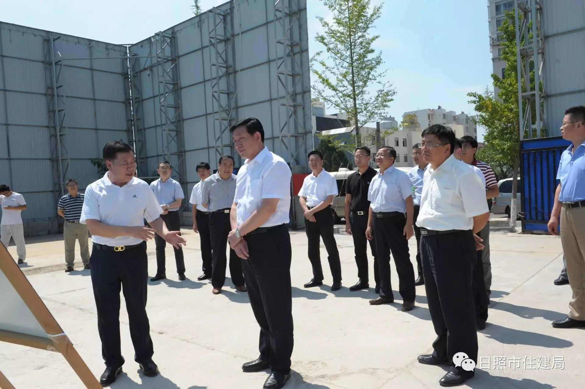 刘星泰强调,精心建设城建重点工程,加快推进城中村改造!