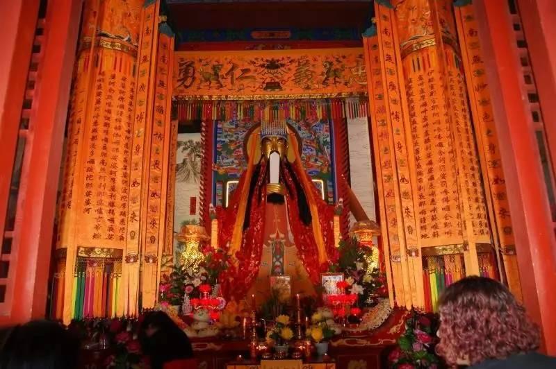 娱乐 正文  红火的代县 每天都是红红火火 赶集,过庙会,寺庙开光 前天