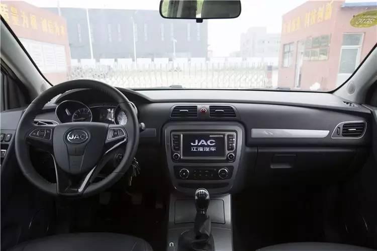 春田·皮卡房车驾驶室图片