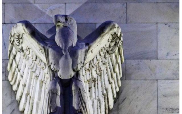 美联储投票通过新规,以防雷曼式连锁反应吞噬金融机构