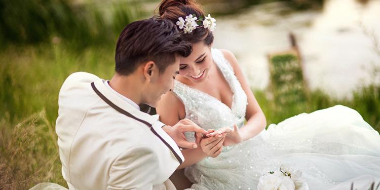 婚纱照照多少钱_婚纱照风格