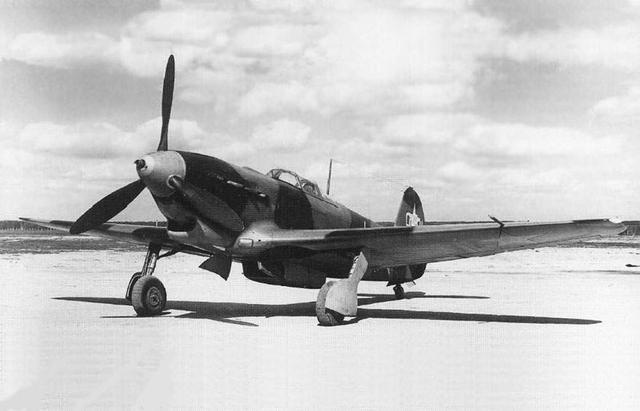 匹�d���zyak9�+�,_二战战机 之 俄罗斯yak-9战斗机