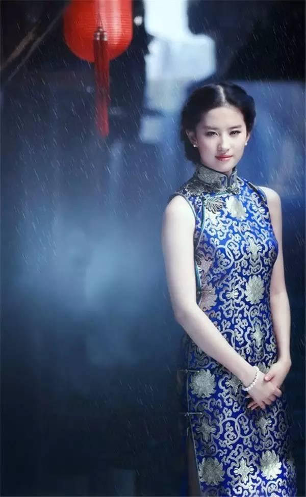 青花旗袍,秋的诱惑
