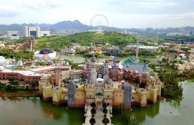 正文  卡乐星球欢乐世界位于 广西柳州市柳东新区,是打造了欢乐谷的图片