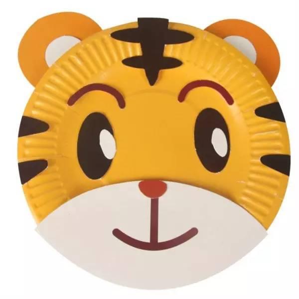 母婴 正文  纸盘动物面具step6 用料:松紧带(绳子) 耳朵 长劲鹿的鹿角