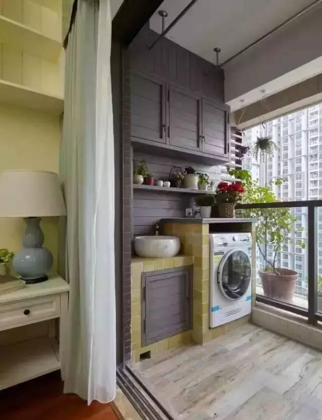 别把阳台只当晾衣房,打个吊柜,装个榻榻米,超实用!图片