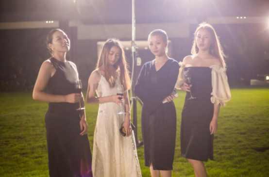 摄影标杆三亚海瑟婚纱摄影周年庆派对:海角天边,轩言